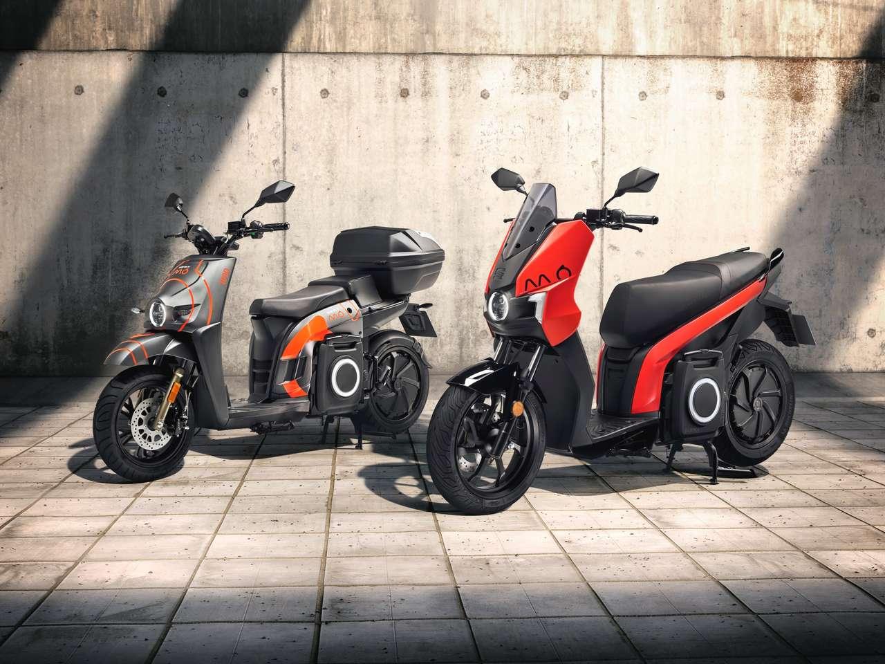 Zwei Versionen des Seat eScooter 125: Die linke ist derzeit nur für Sharing-Betriebe geplant –könnte sich aber noch ändern.