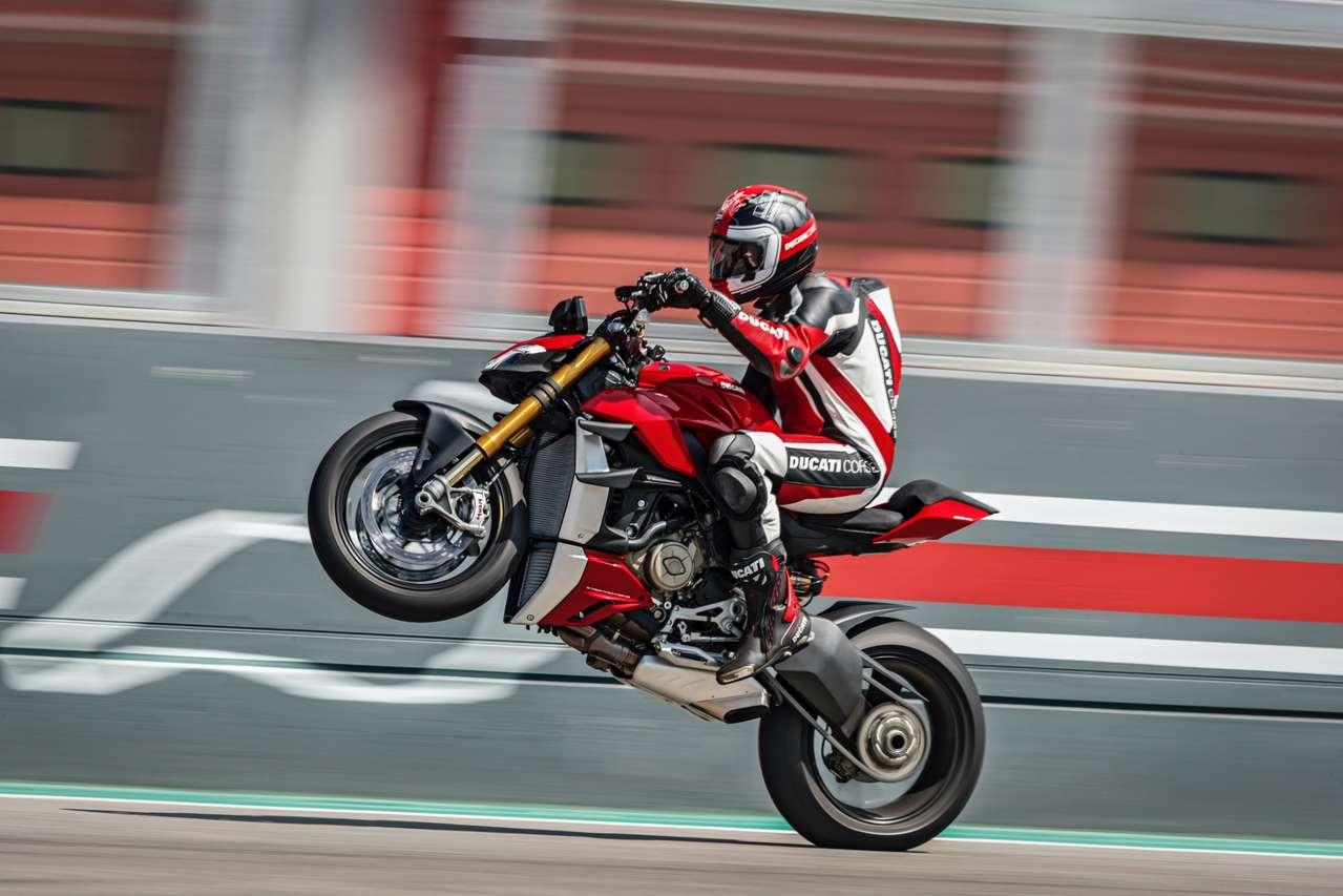 Bis zu rund 100 Euro mehr Steuer aufgrund exorbitanter CO2-Werte: Ducati Streetfighter V4.
