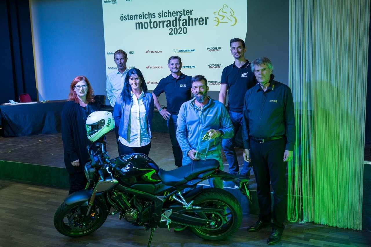 Der Gesamtsieger: Christian Schicker und seine neue Honda CB650R.