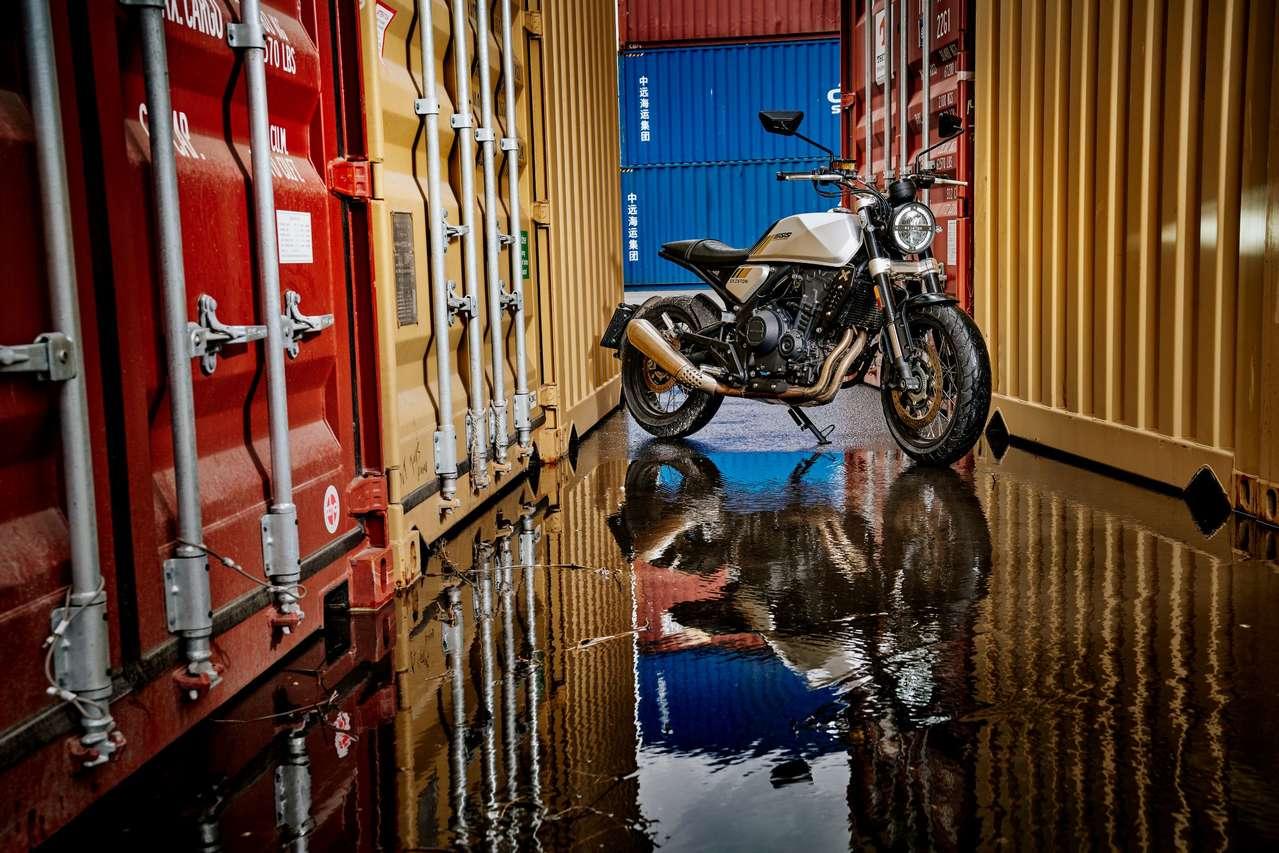 Brixton Crossfire 500; Text: Christoph Lentsch, Fotos: W.-D. Grabner