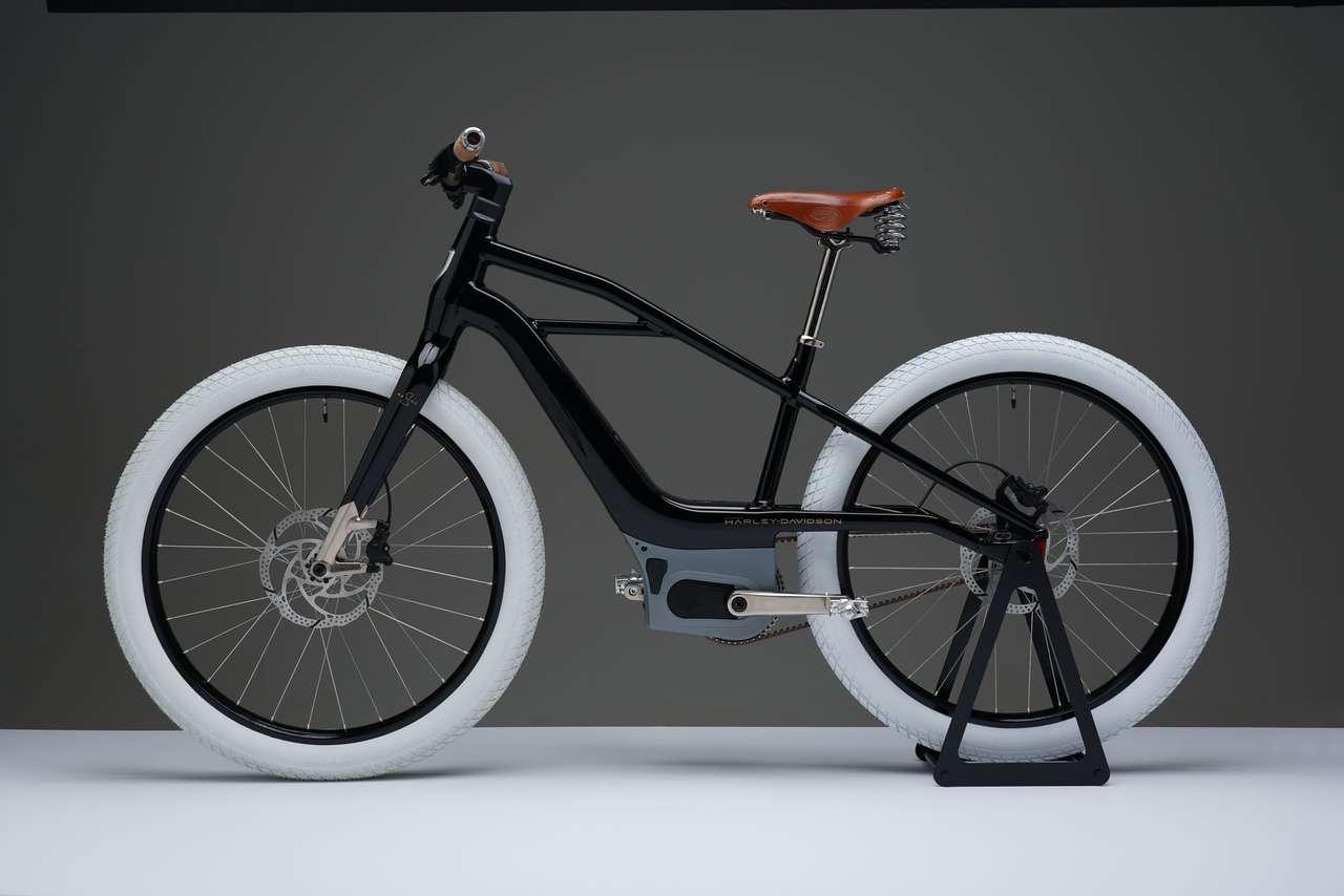 Die Serial 1 ist der ältesten bekanntesten Harley nachempfunden. Dazu gehören auch die weissen Reifen.