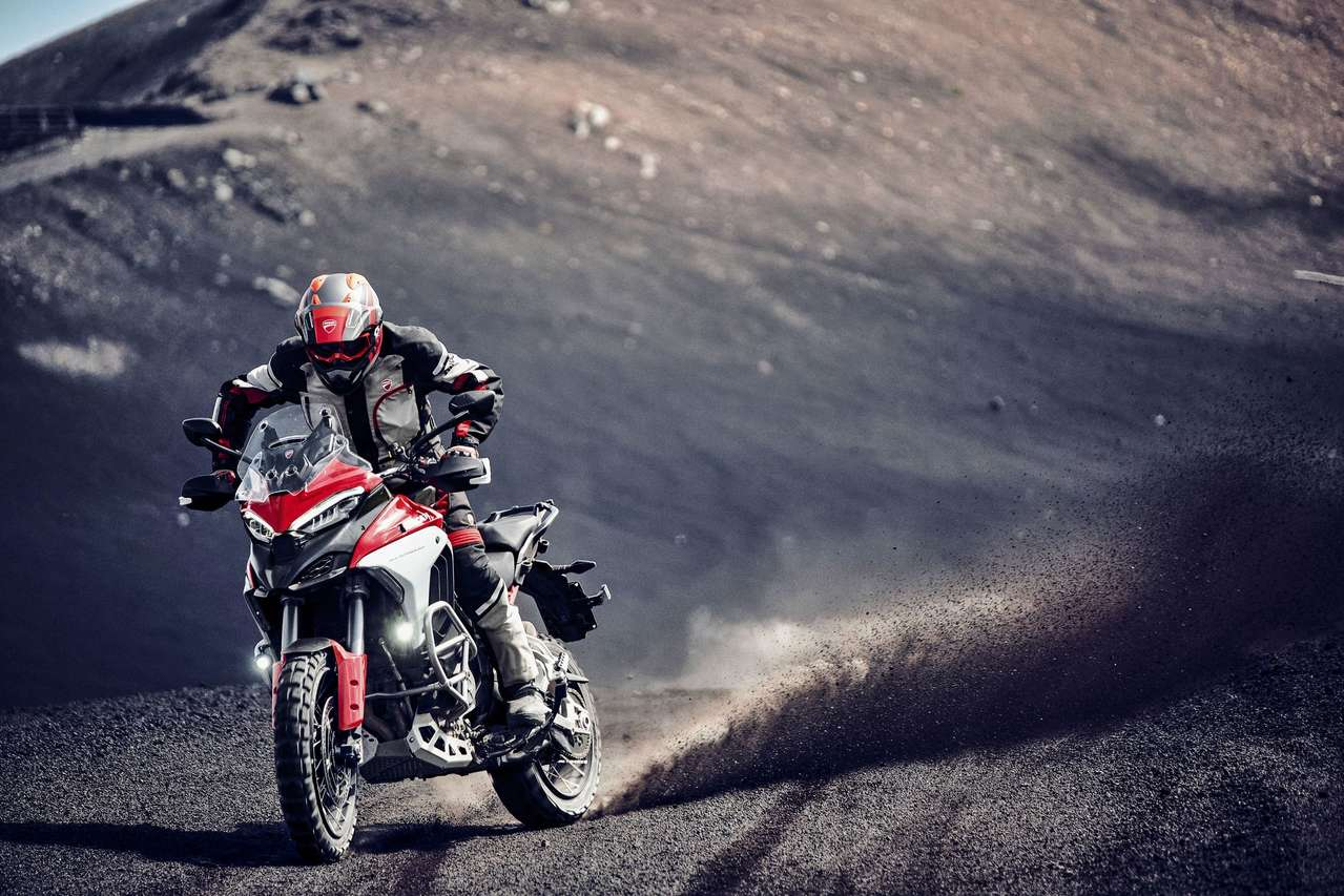 Die Ducati Multistrada V4 S in Action