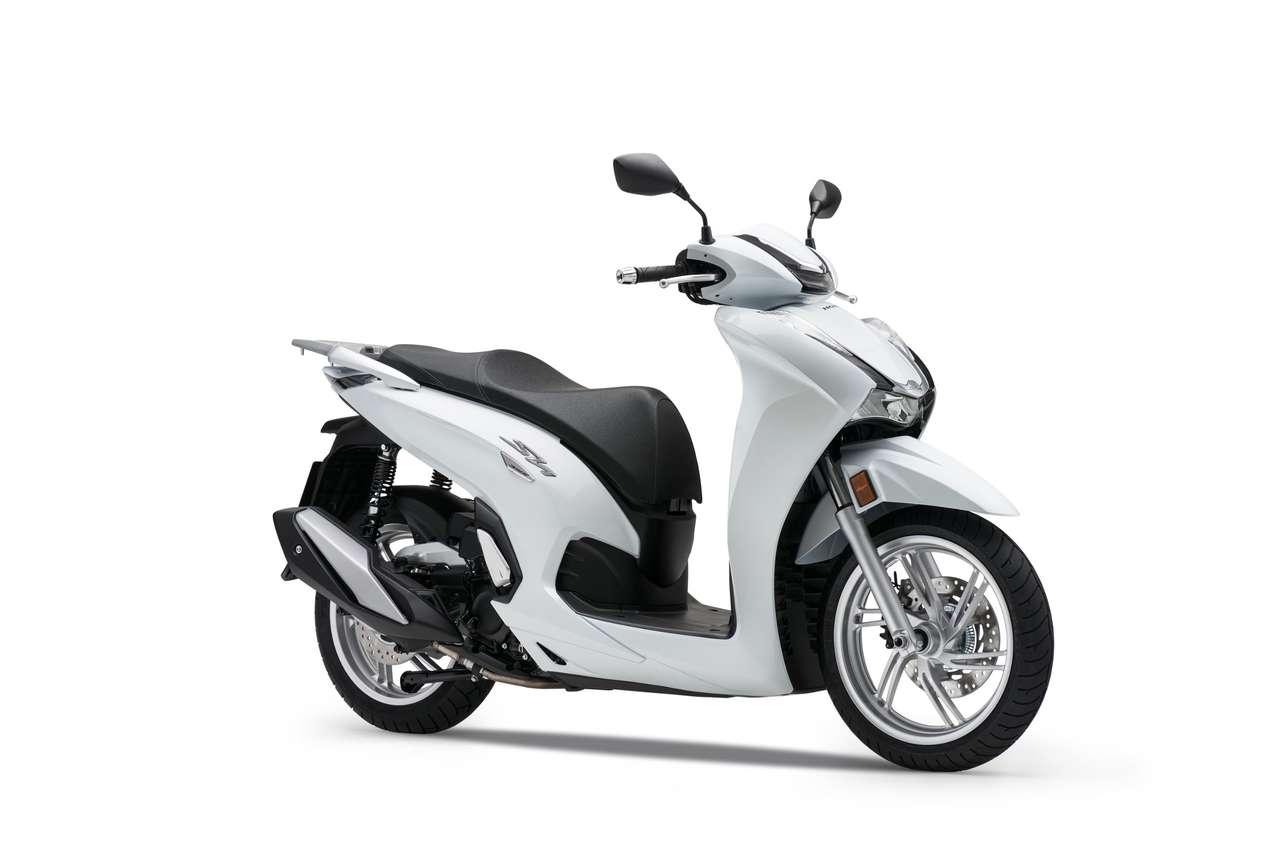 Honda SH350i - Pearl Cool White