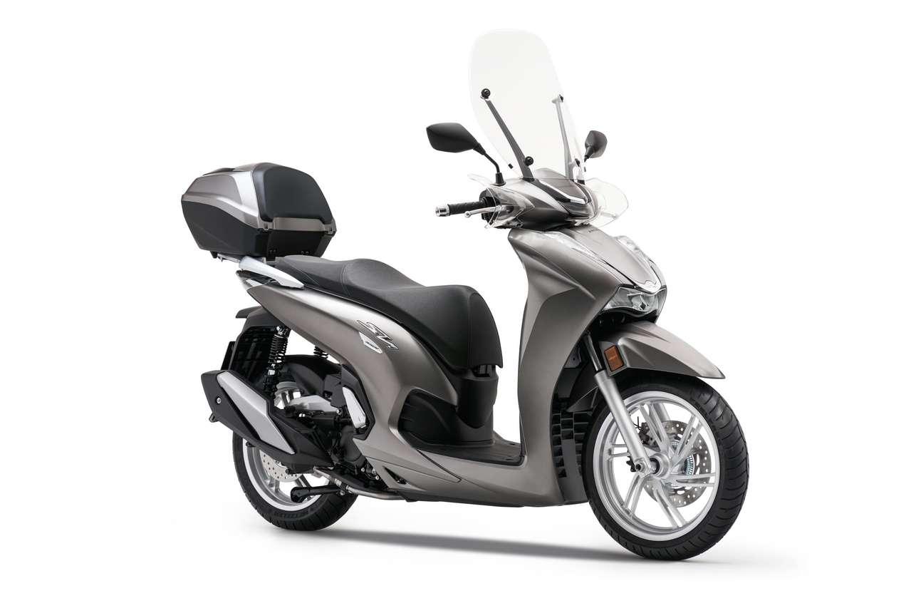 Honda SH350i - Matt Ruthenium Silver Metallic