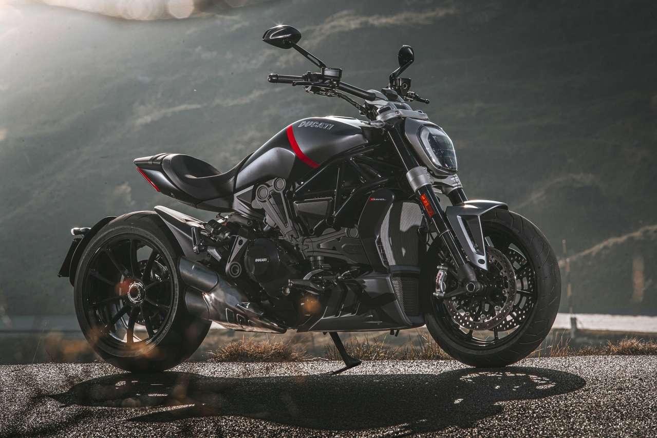 Ducati Diavel Black Star 2021