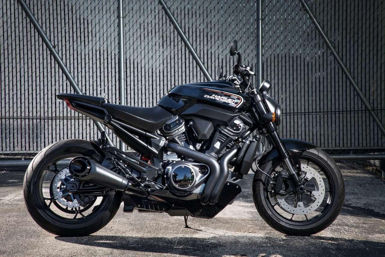 Vorläufig auf Eis gelegt: Harley Bronx, der Streetfighter mit 975 Kubik.