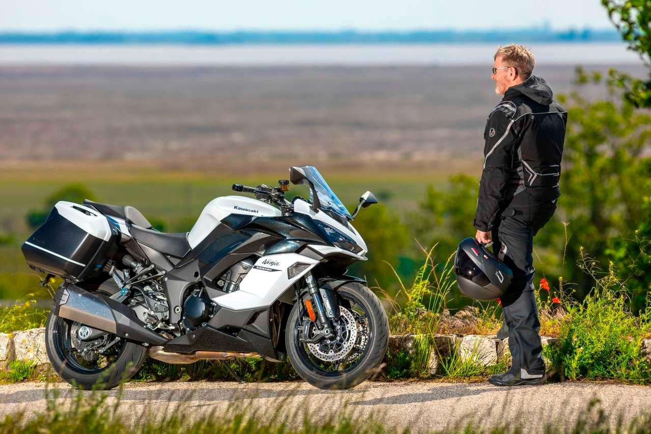 Die Kawasaki Ninja 1000SX im Motorradmagazin-Longrun 2020.