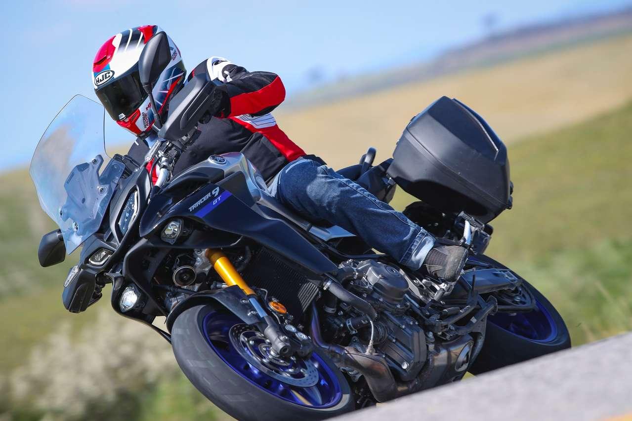 Yamaha Tracer 9 GT: Die silber-schwarz-blaue Lackierung ist dem edleren Modell vorbehalten.