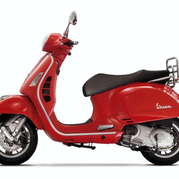 2005: Vespa GTS 250