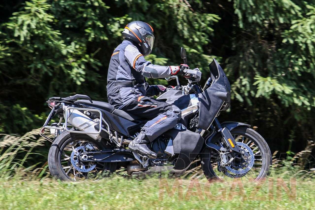 Husqvarna_901_Adventure_005_Motorradmaga