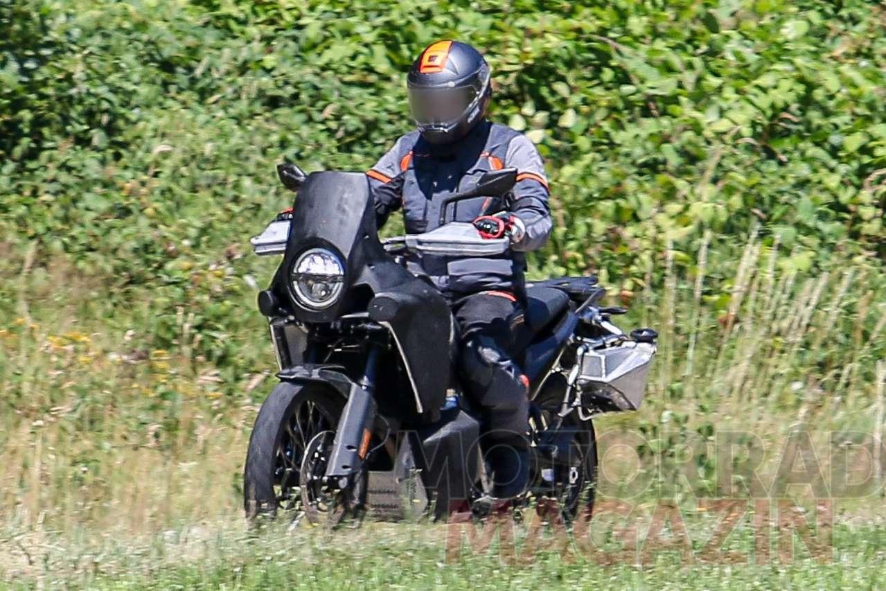 Husqvarna_901_Adventure_007_Motorradmaga