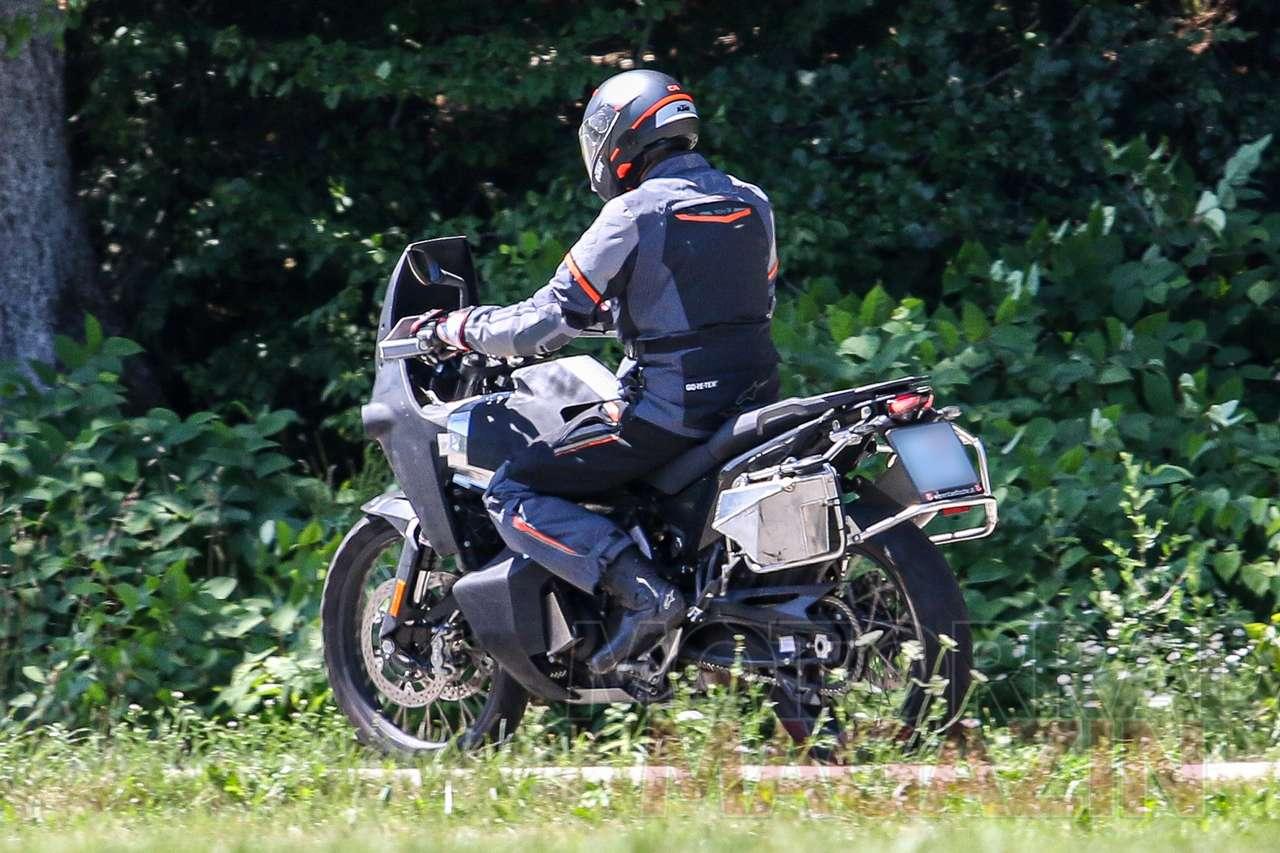 Husqvarna_901_Adventure_010_Motorradmaga